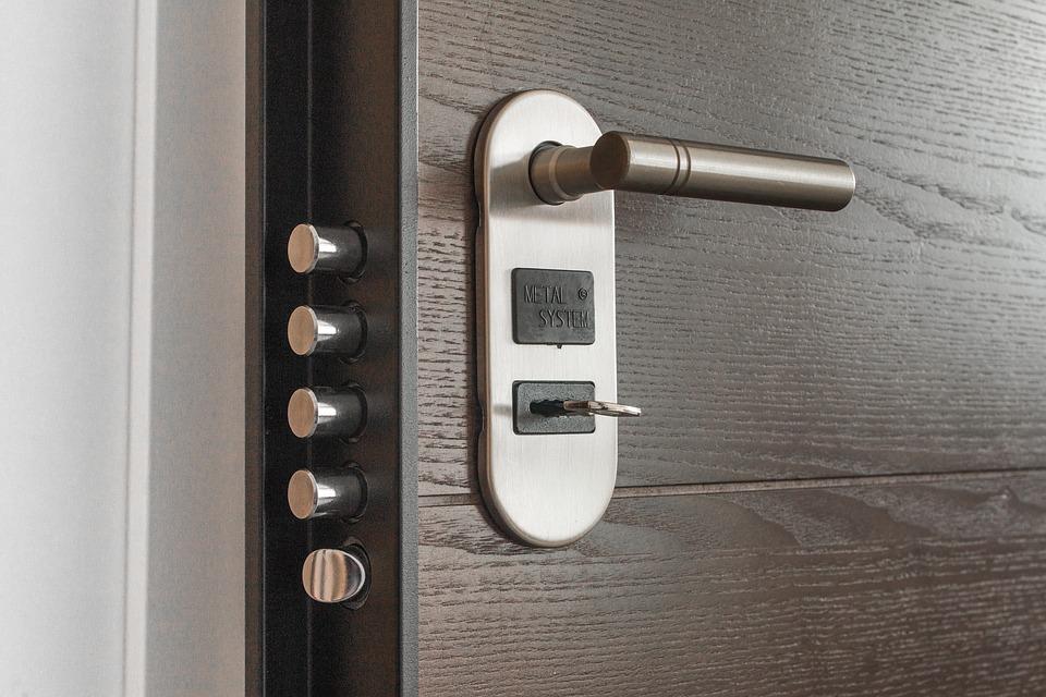 Съвети за покупка на блиндирани врати