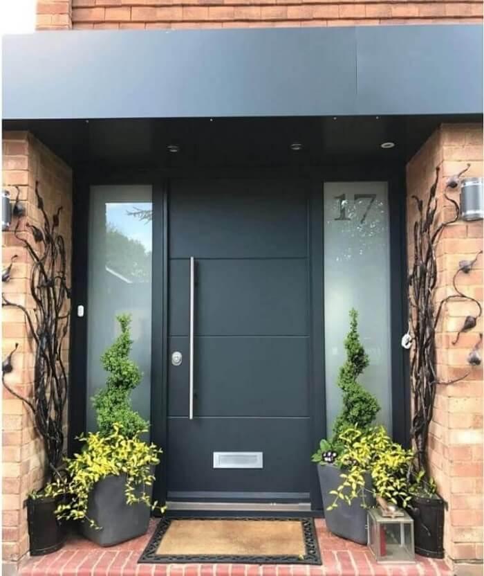 Блиндирана врата в свеж дизайн