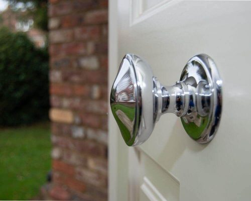 Дръжка за полирана входна врата